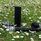 Schwarze Thermosflasche mit eingebauter Temperaturanzeige– Handpresso